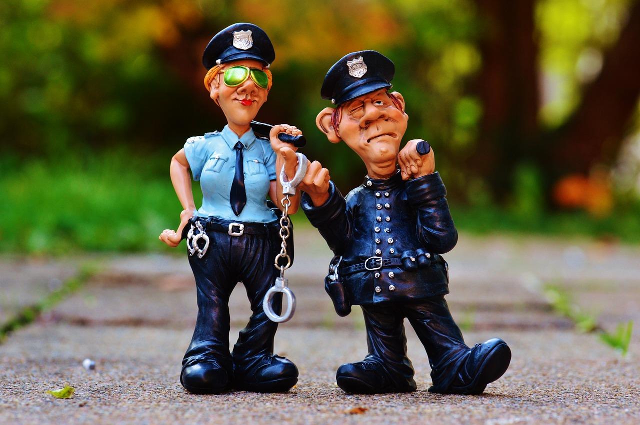 cop-1016218_1280