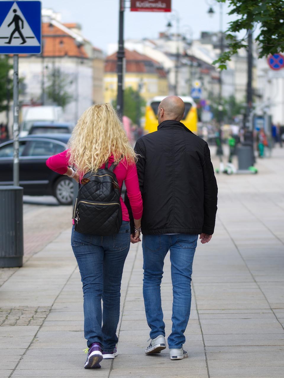 couple-4238663_1280