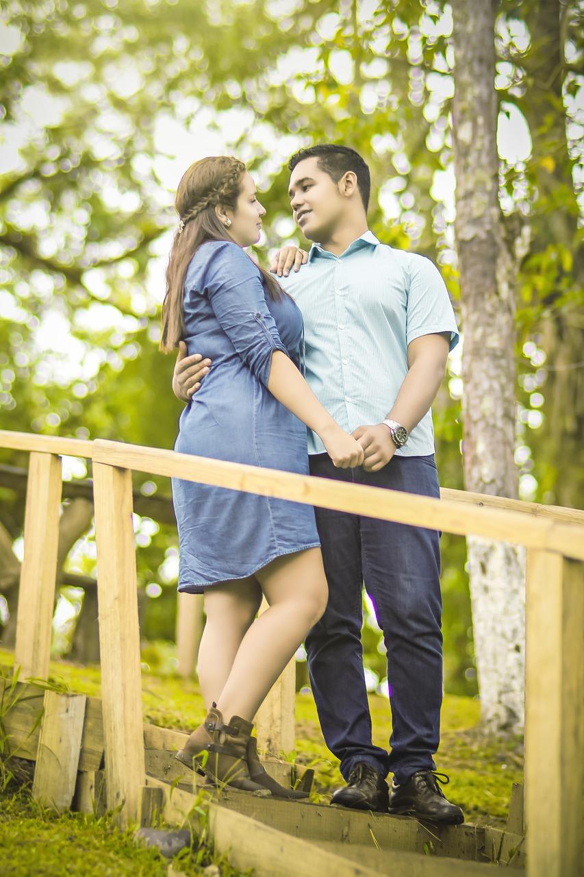 couple-4245833_1280