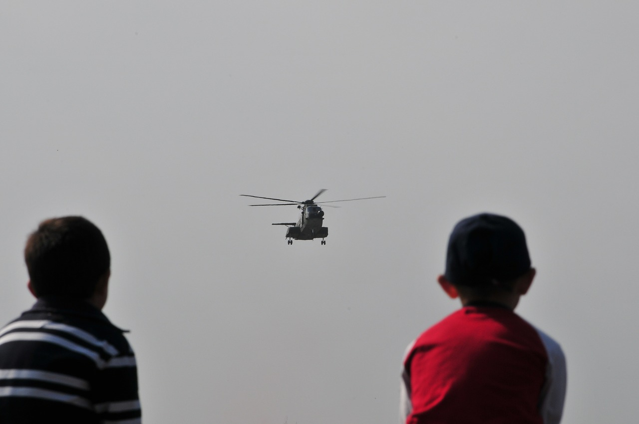 helicopter-607046_1280