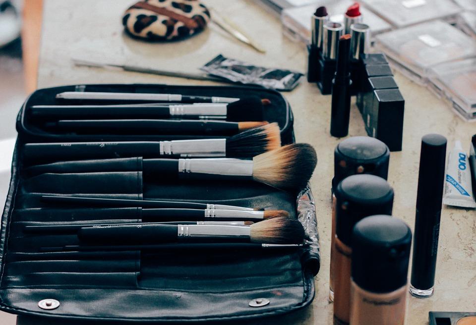 makeup-1209798_960_720
