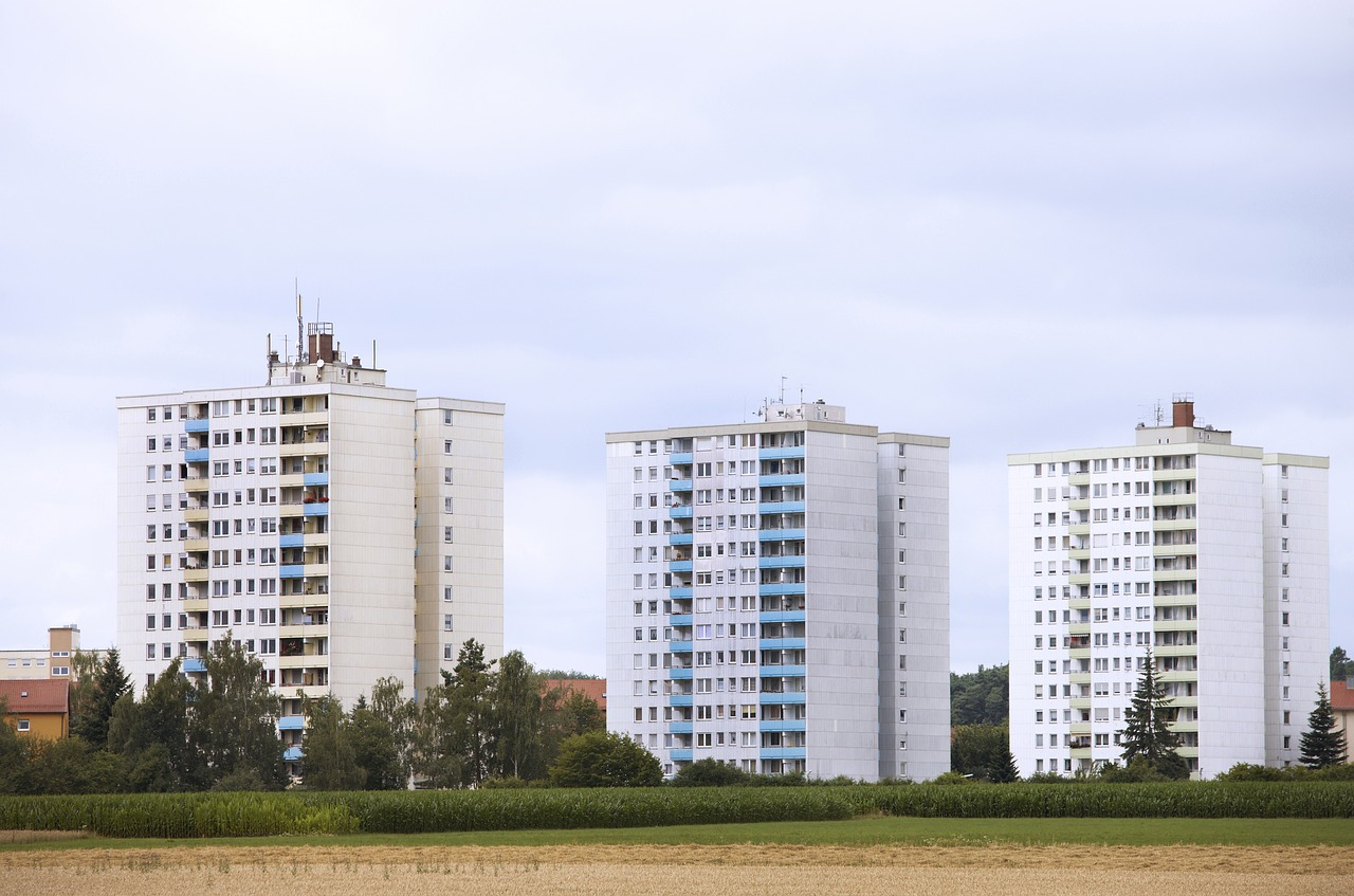 residential-area-2138933_1280