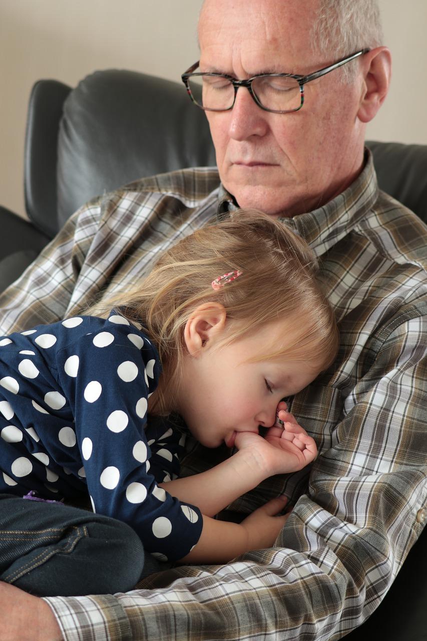 grandfather-4051229_1280