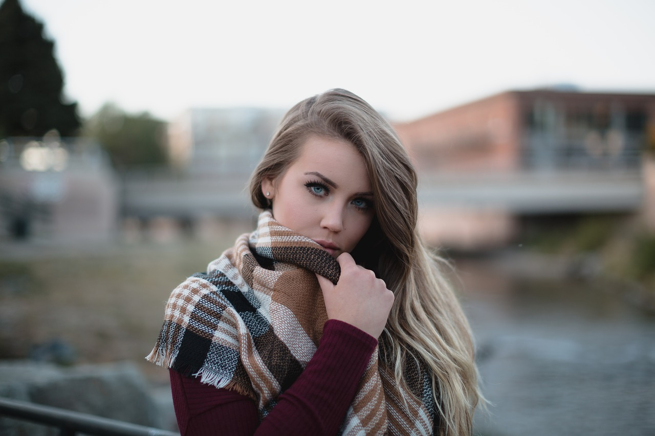 blonde-1868701_1280