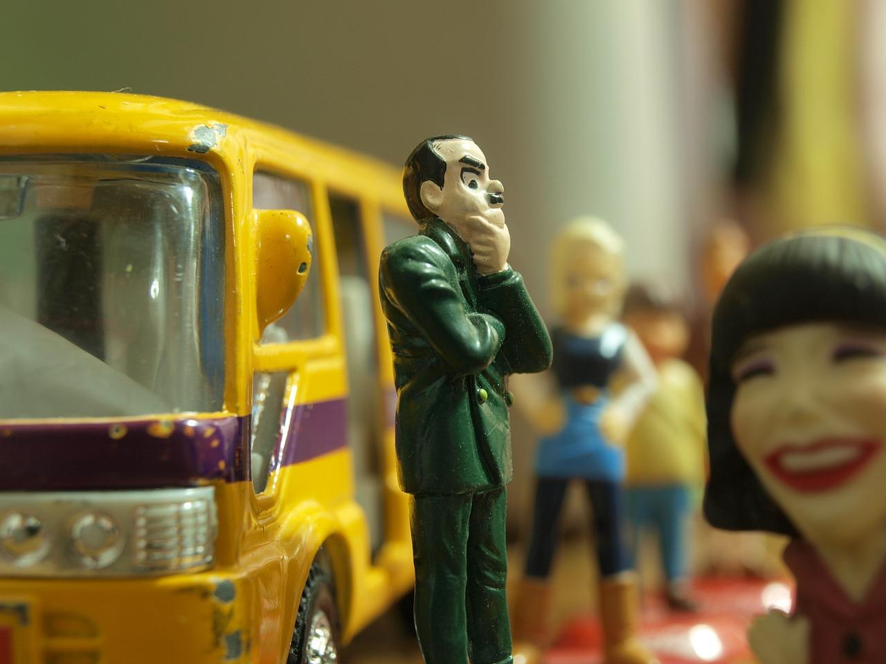 bus-stop-391242_1280
