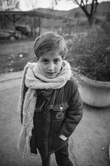 child-1126589__340