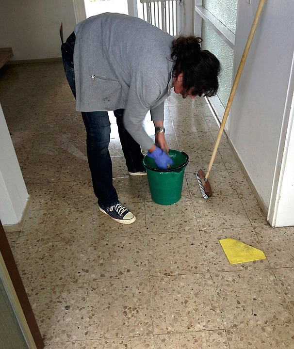 cleaning-lady-258520_960_720