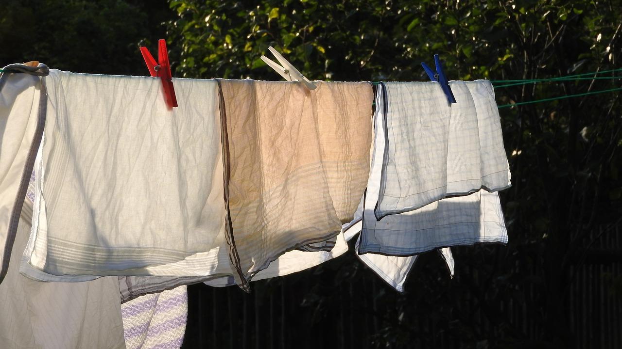 clothesline-2918465_1280