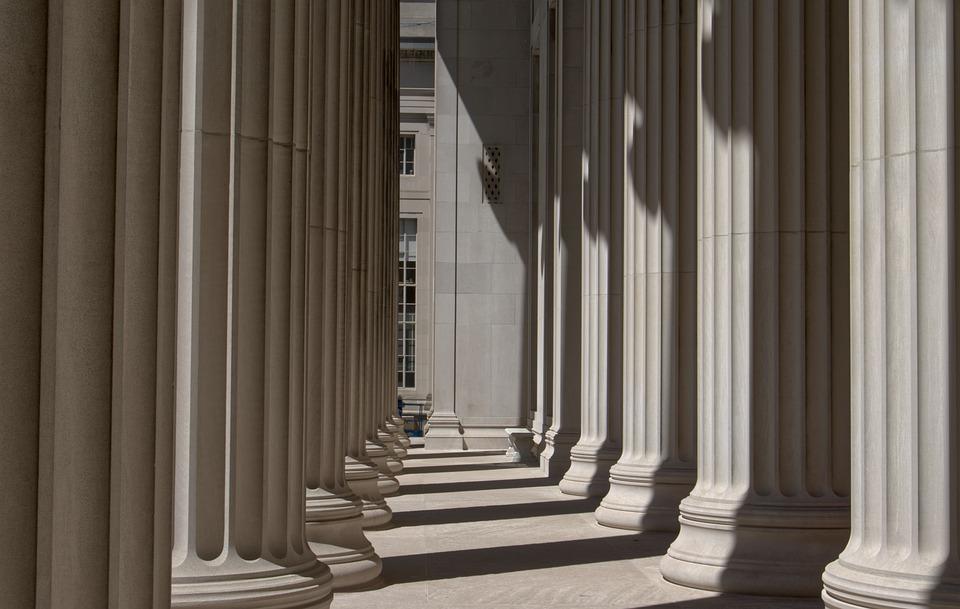 columns-5135499_960_720