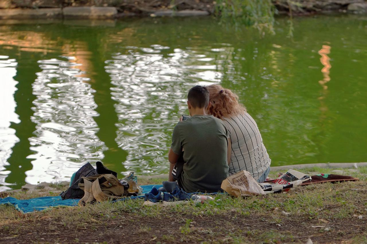 couple-5603213_1280
