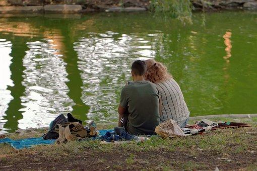 couple-5603213__340