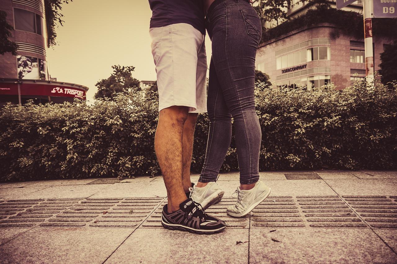 couple-5717836_1280
