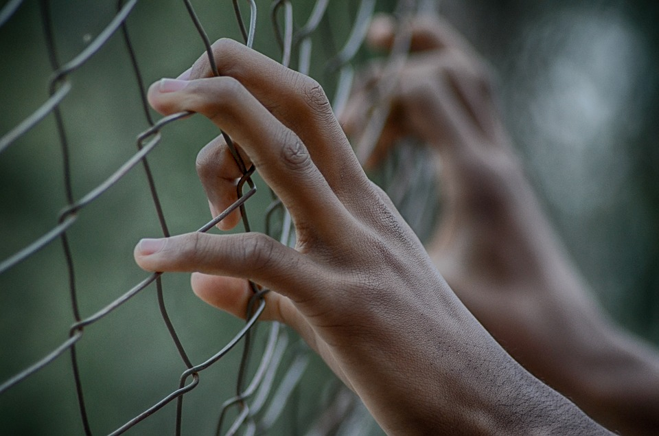 fence-2163951_960_720
