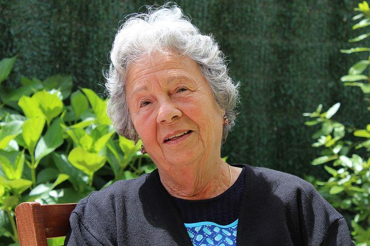 grandmother-506341__480