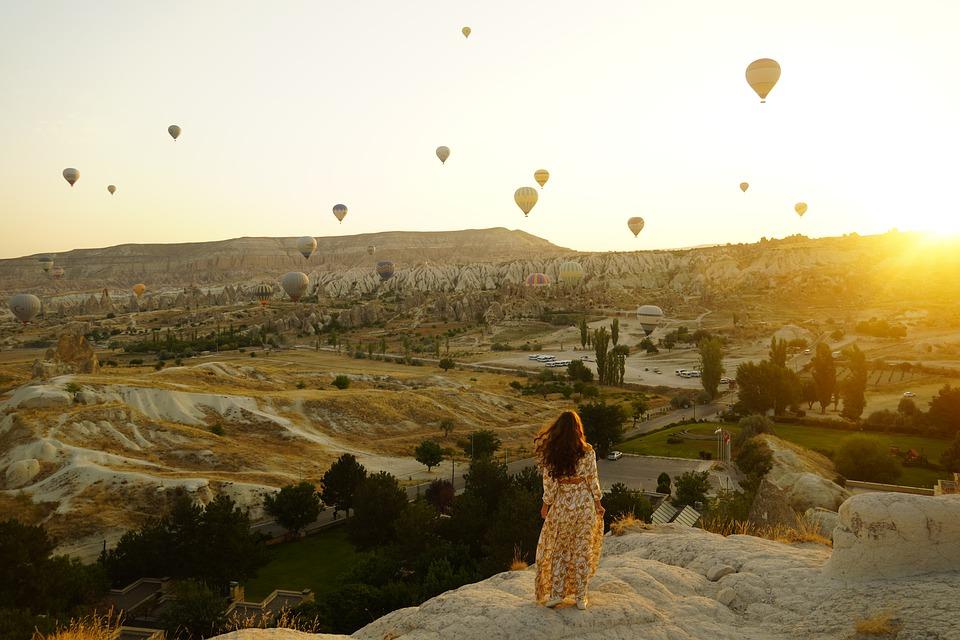 hot-air-balloons-5630493_960_720