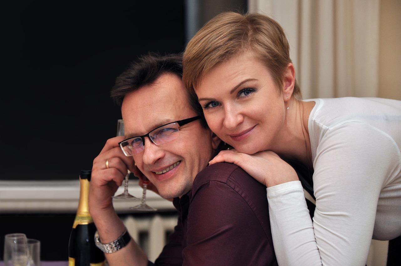 love-couple-6053570_1280