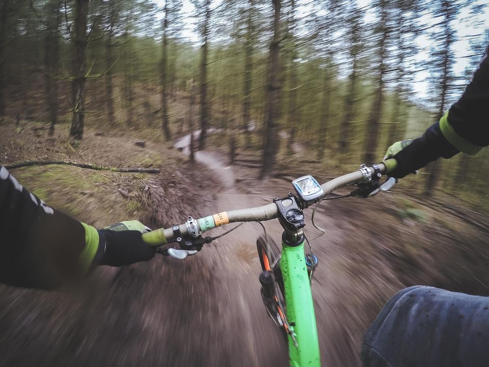mountain-biking-1210066_960_720