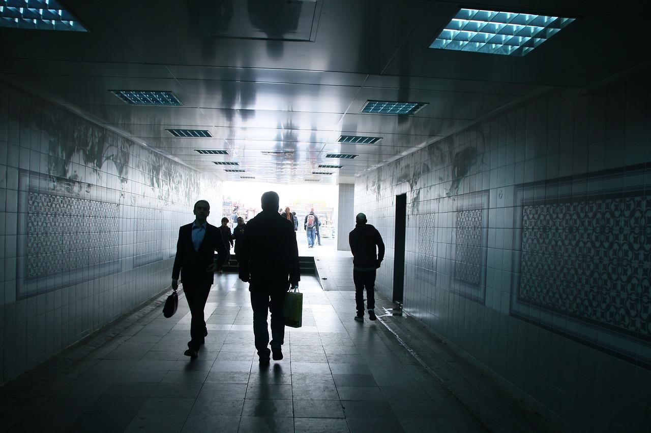 tunnel-4076338_1280