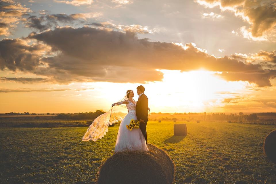 wedding-2604973_960_720