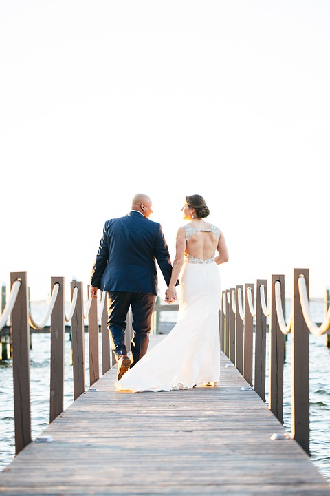 wedding-4795075_960_720