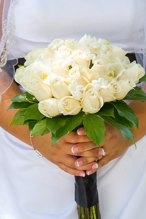 bride-4707744_960_720