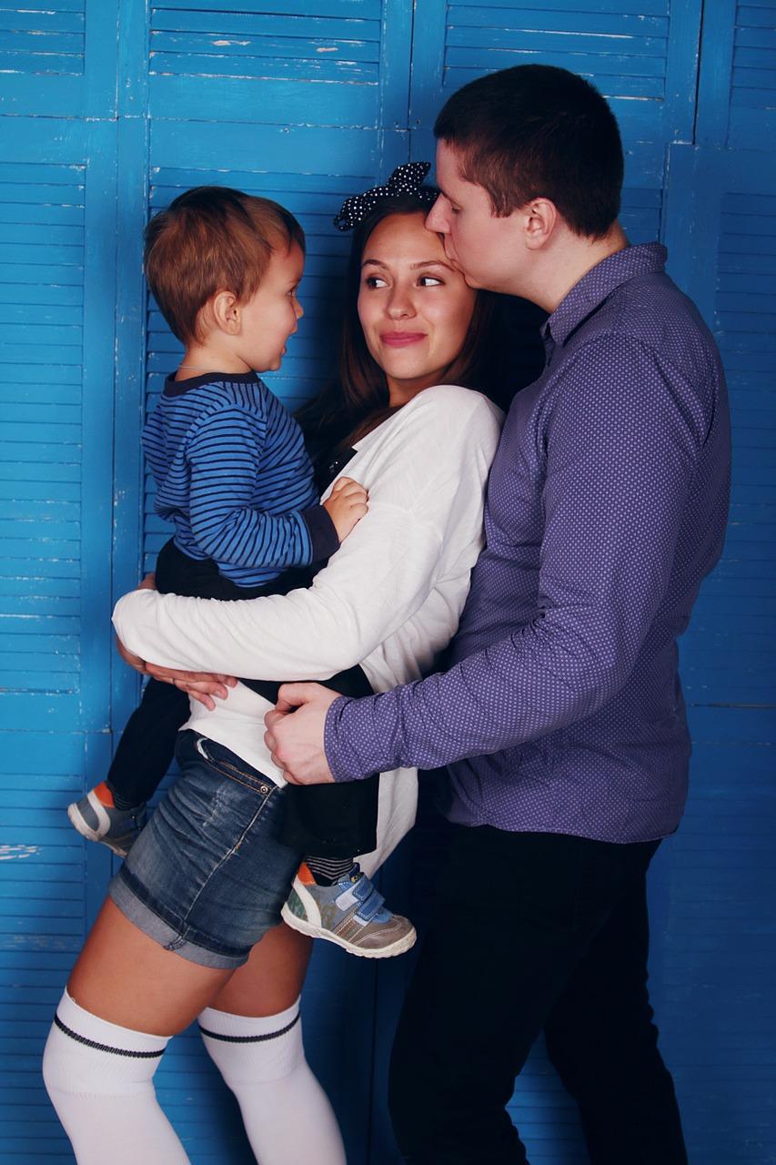 family-1404826_1280