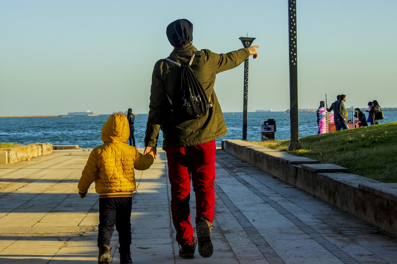 father-4106035_1280