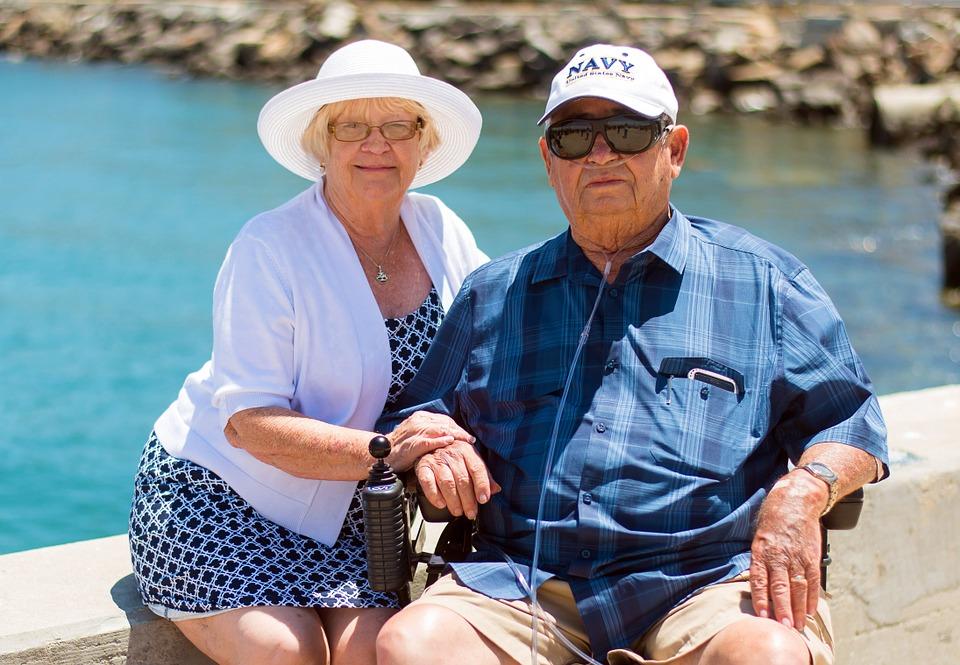 grandparents-1054311_960_720