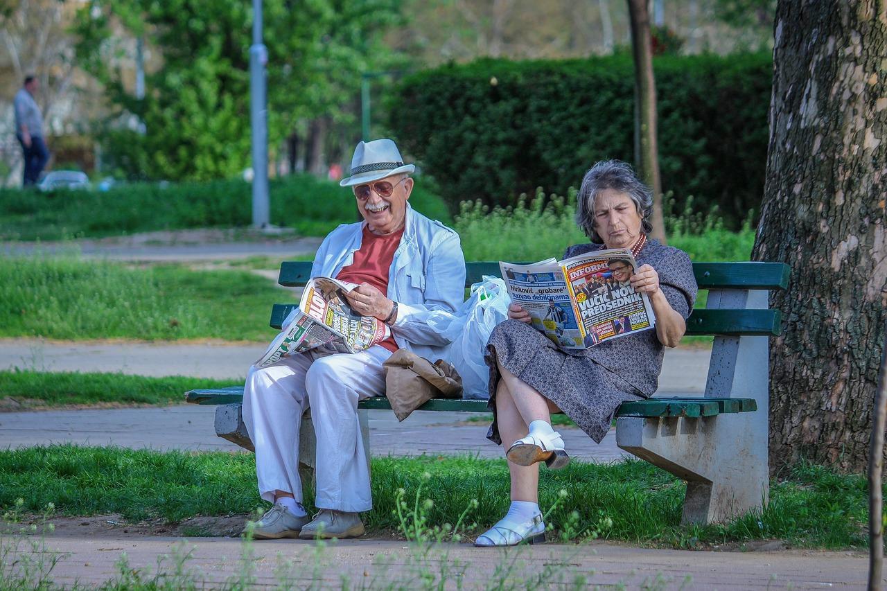 grandparents-2807673_1280