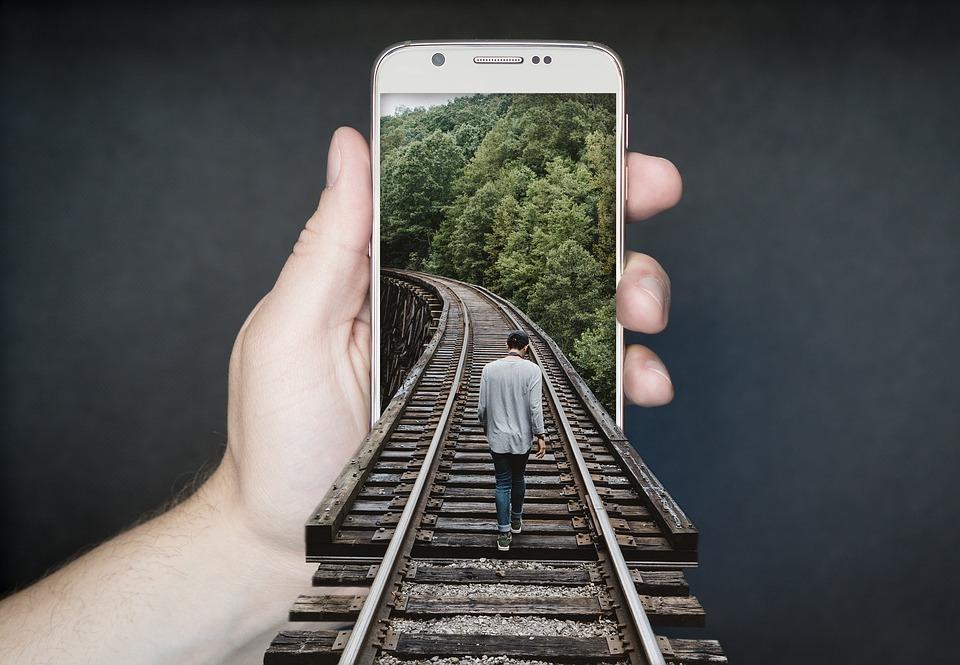 manipulation-smartphone-2507499_960_720