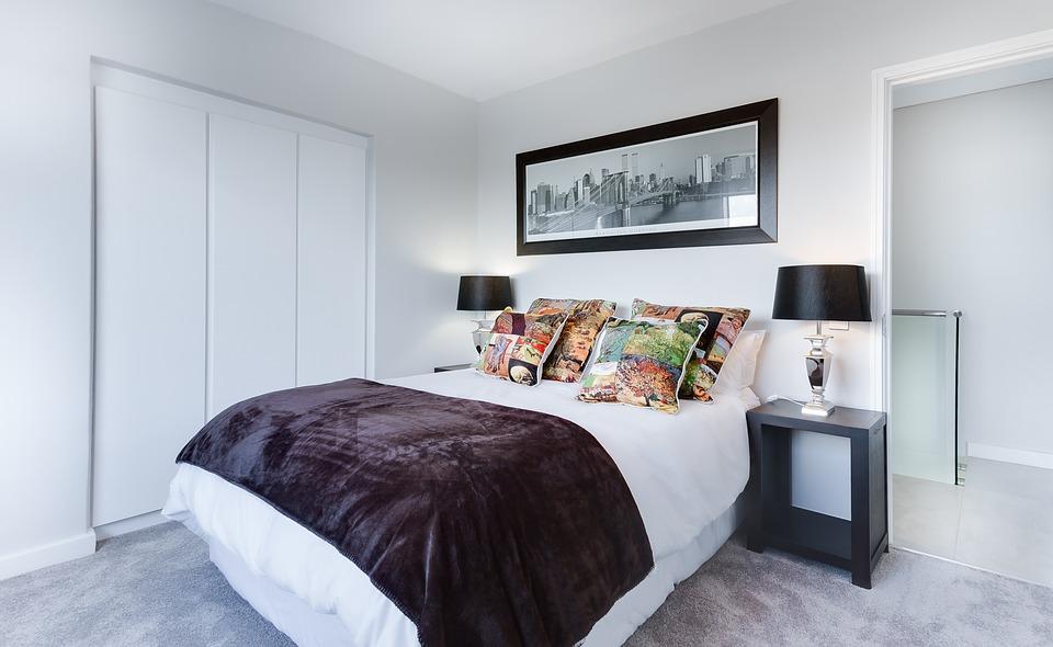modern-minimalist-bedroom-3100786_960_720
