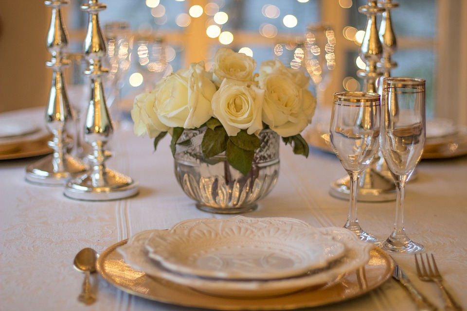 table-3018151_960_720