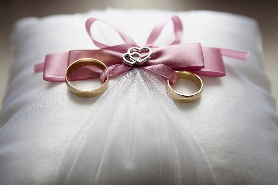 wedding-688924_960_720