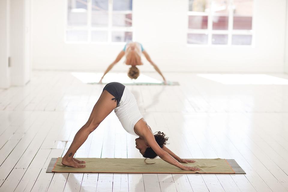 yoga-2959213_960_720