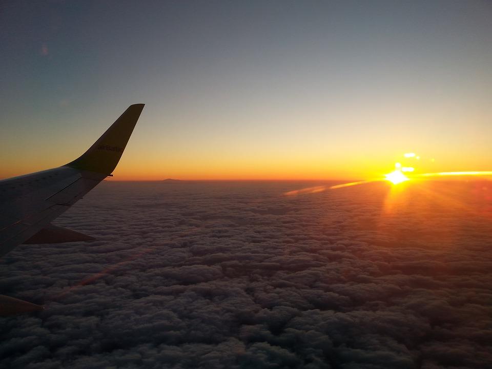flight-1458986_960_720