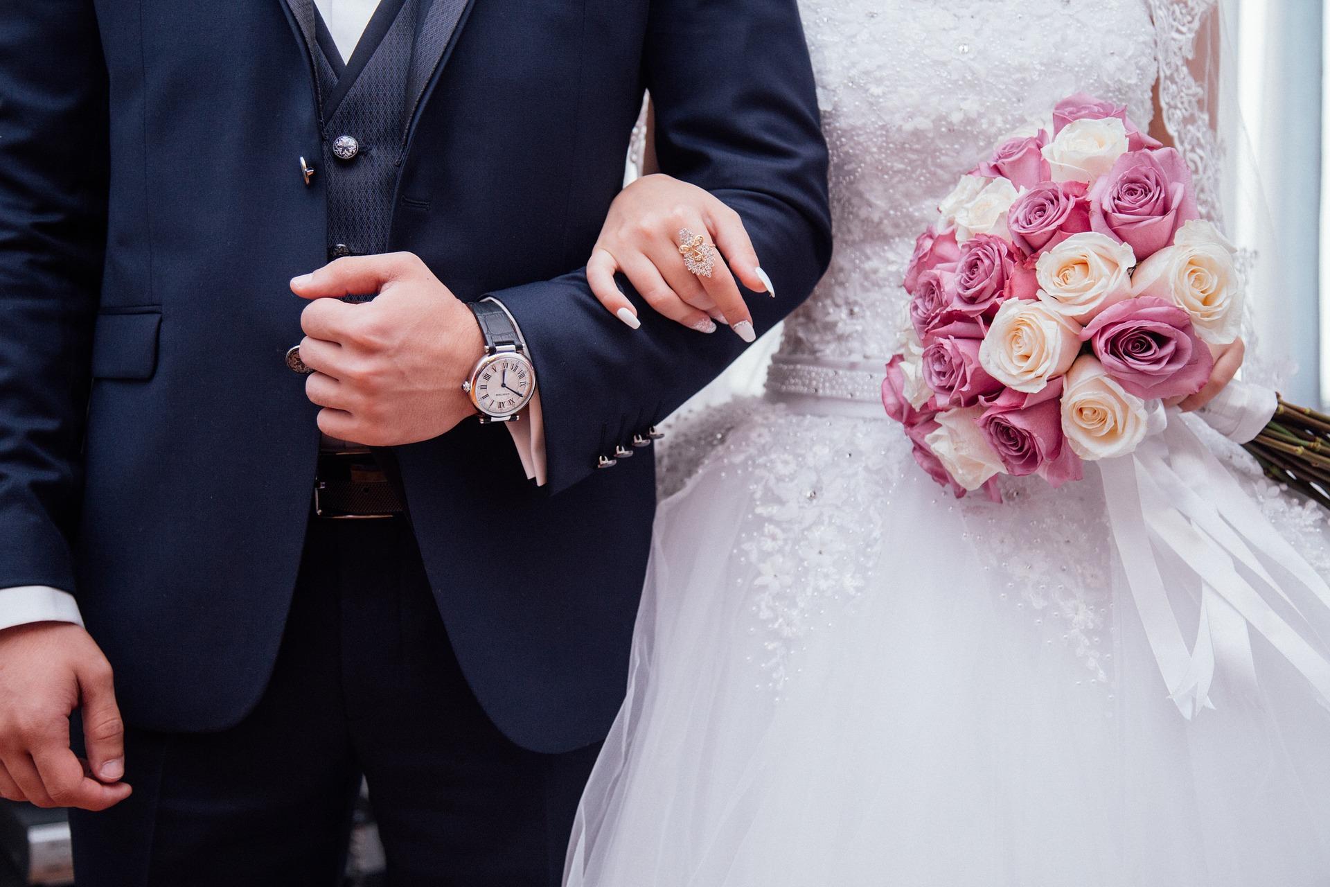 wedding-2595862_1920