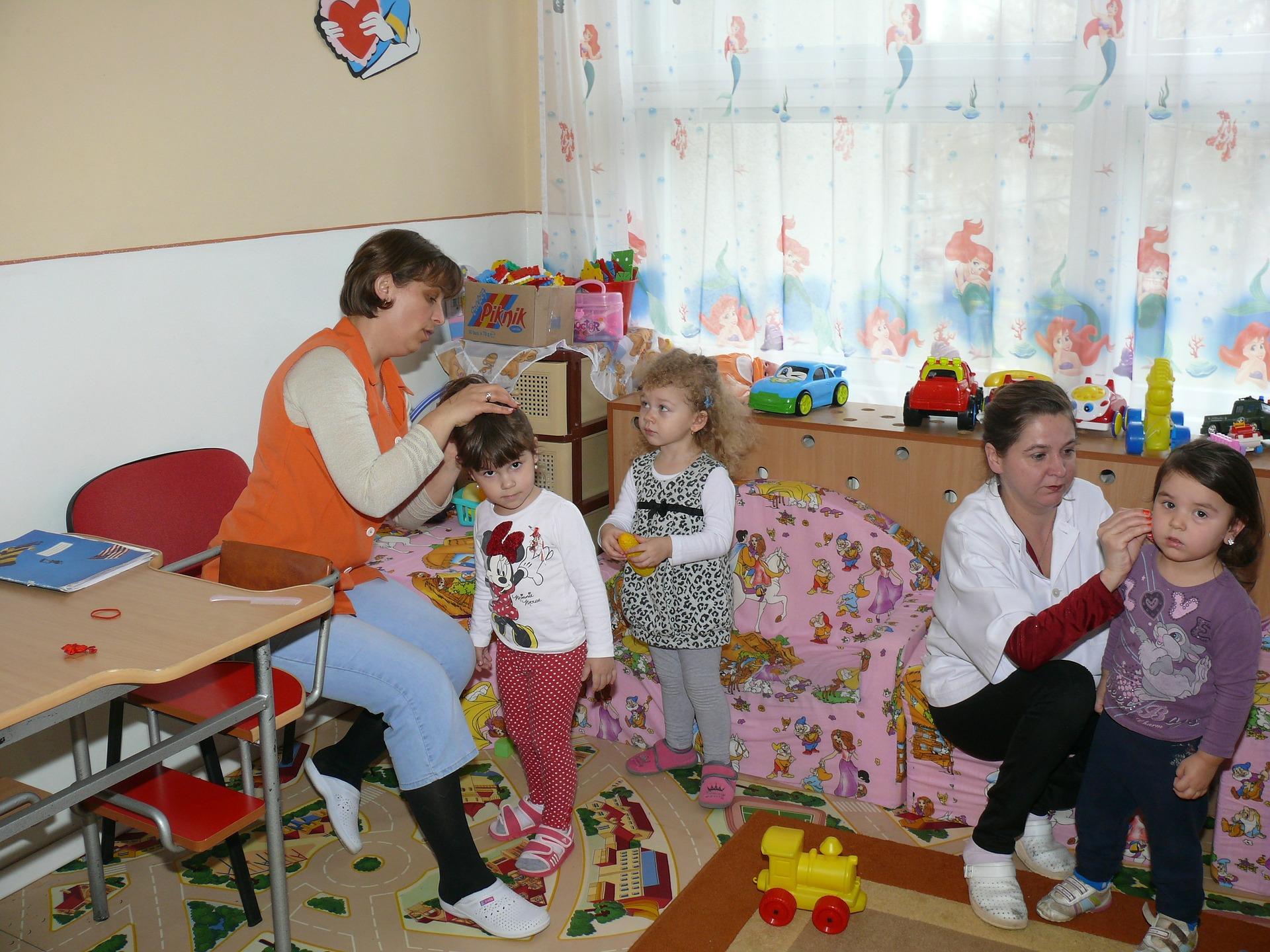 kindergarten-90505_1920