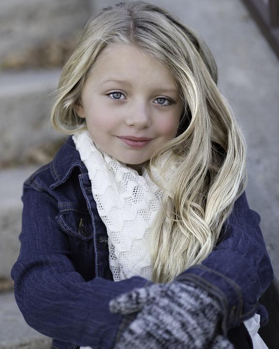 little-girl-1082512_960_720