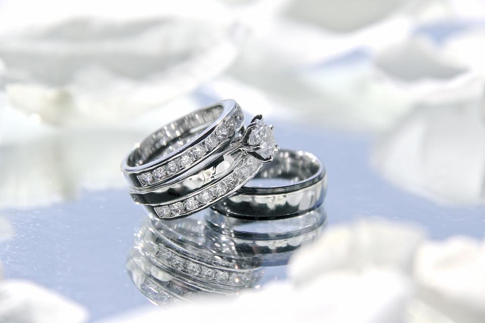 wedding-rings-2364418_960_720