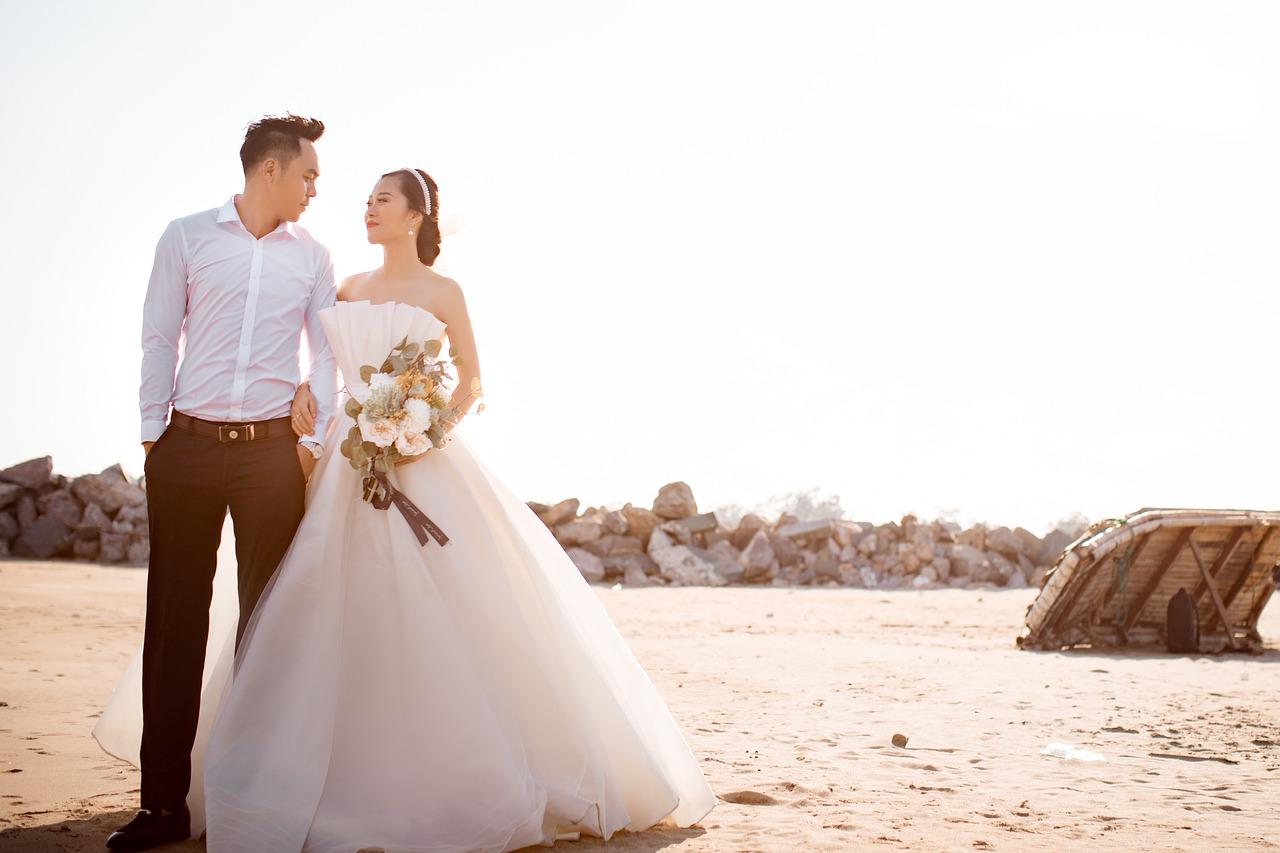 bride-5811243_1280